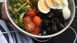 Eating Healthy With Aldi: Mediterranean Bowl