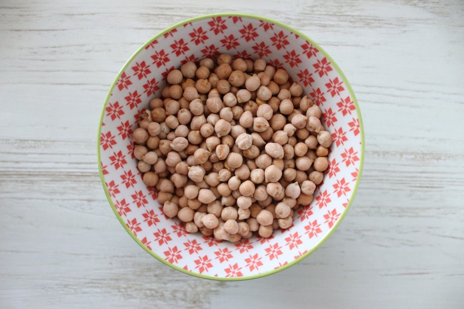 Healthy Snack: Baked Chickpeas
