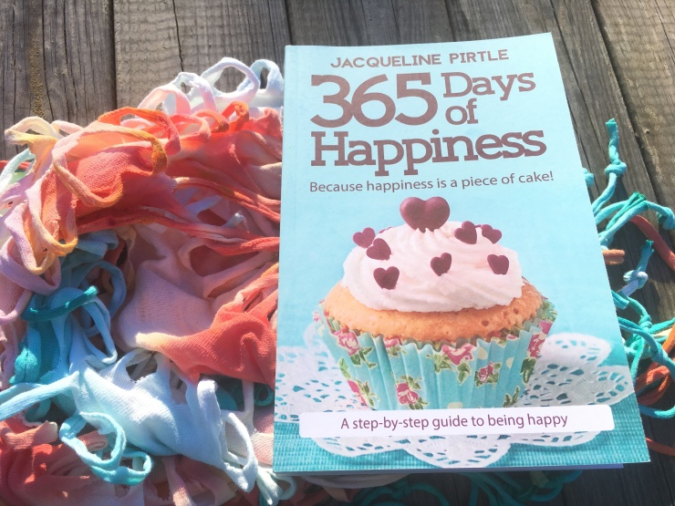365 Days of Happiness by Jacqueline Pirtle (Book Review)