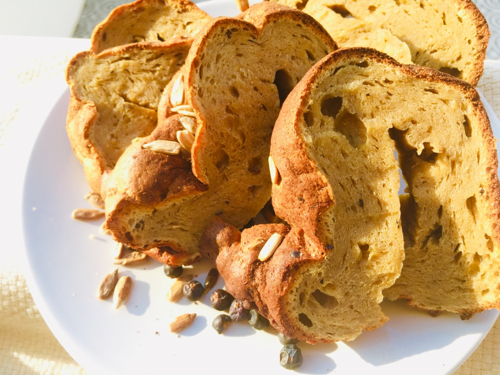 Recipes for good health and wellbeing: Spicy Banana Bread. Recipe created by thewellbeingblogger.com
